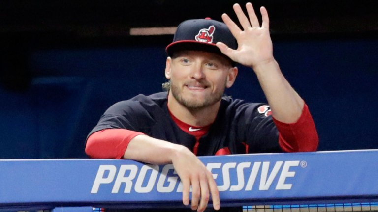josh_donaldson_waves_from_the_dugout.jpg