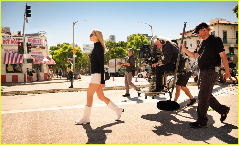 once-upon-a-time-in-hollywood-stills-06.jpg